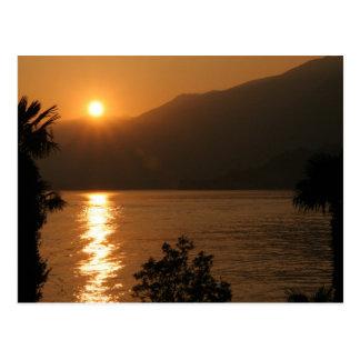 como do lago do ~ do por do sol cartão postal