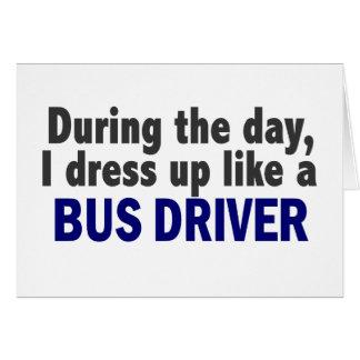 Condutor de autocarro durante o dia cartão comemorativo