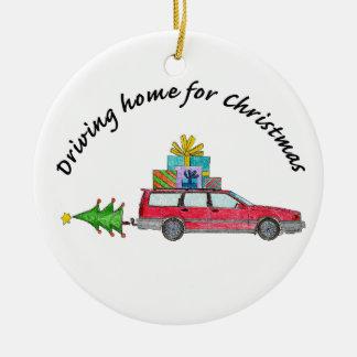"""""""Conduzindo em casa para carro do Natal"""" com Ornamento De Cerâmica Redondo"""