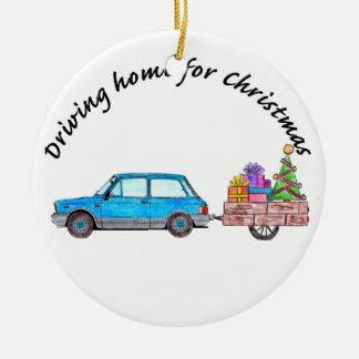 """""""Conduzindo em casa para o carro do Natal com Ornamento De Cerâmica Redondo"""
