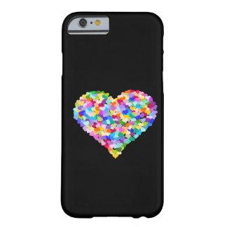 Confetes dos corações do arco-íris capa barely there para iPhone 6