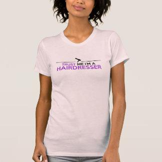 Confie-me, mim são um t-shirt do CABELEIREIRO