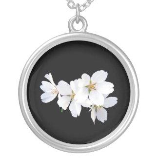 Conjunto 01 da flor de cerejeira colar banhado a prata