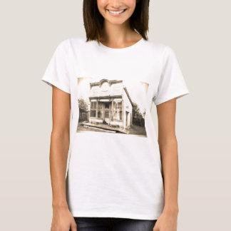 Construção dos bens secos do vintage t-shirts
