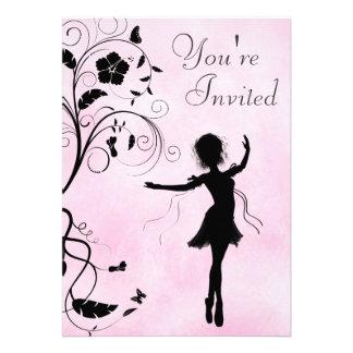 Convite bonito do aniversário da bailarina e das f