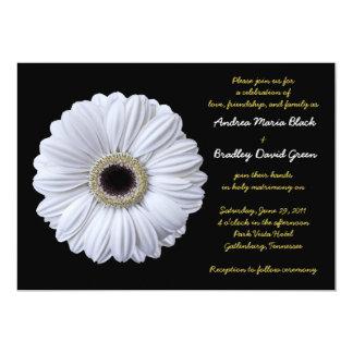 Convite branco do casamento do preto da margarida