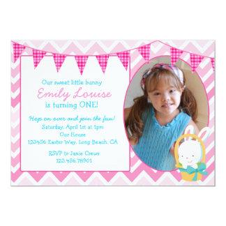 Convite de aniversário da menina de coelhinho da