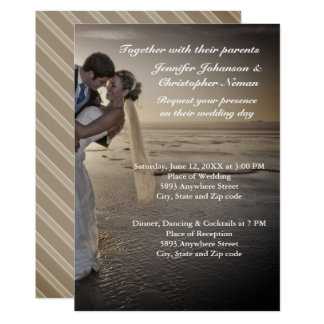 Convite de casamento esmaecida da praia do por do