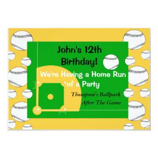 Convite do aniversário do basebol do menino