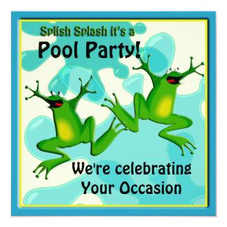 Convite engraçado dos sapos da festa na piscina