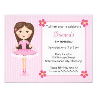 Convite feminino bonito do aniversário da bailarin