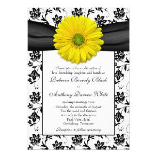 Convite floral branco do casamento do preto amarel