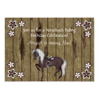 Convite ocidental do aniversário da equitação