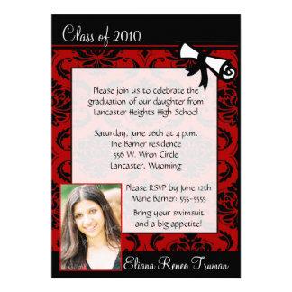 Convite vermelho da graduação da foto do damasco