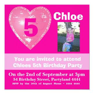 Convites cor-de-rosa brilhantes do aniversário