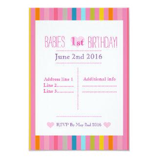 Convites cor-de-rosa e descascados do aniversário