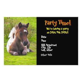 Convites de festas de um ano bonitos do potro flyer 13.97 x 21.59cm