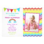 Convites do aniversário da foto do arco-íris