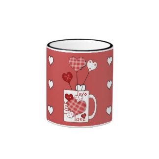 Copo de café dos corações do amor do dia dos caneca com contorno