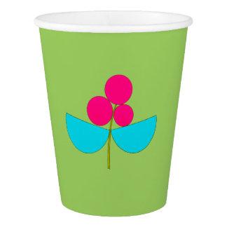 Copo De Papel Flor azul e cor-de-rosa grande no verde