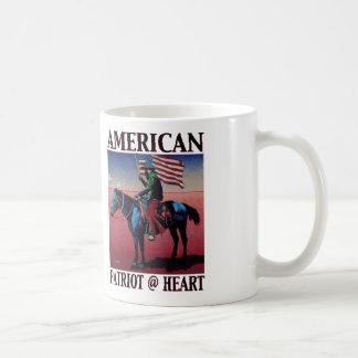 Coração americano do vaqueiro @ por belas artes de caneca