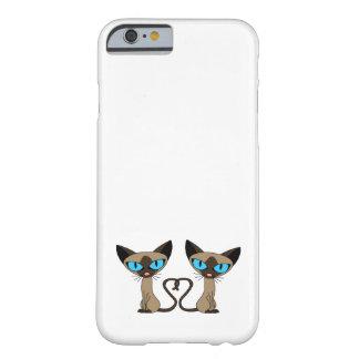 Coração bonito da cauda de gatos Siamese Capa Barely There Para iPhone 6