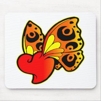 Coração com asas da borboleta mousepad