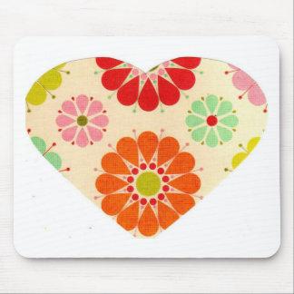 Coração com flores mousepad