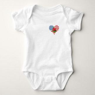 coração cor-de-rosa do americano tshirt