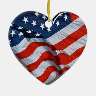 Coração da bandeira americana ornamento de cerâmica coração