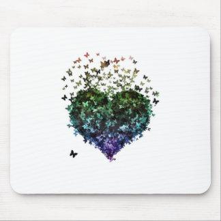 Coração da borboleta mouse pads