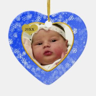 Coração da foto do Natal dos bebês nevado primeiro Ornamento De Cerâmica Coração