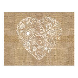 Coração de linho da flor de serapilheira cartão postal