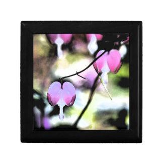Coração de sangramento floral caixa de presente