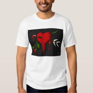 Coração de sangramento t-shirts