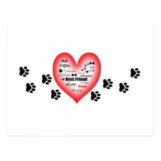 Coração do amor do cão com Pawprints Cartão Postal