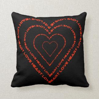 Coração e americano MoJo do travesseiro decorativo