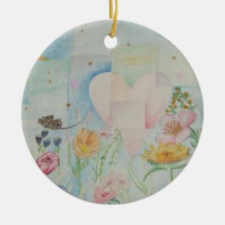 Coração entre o ornamento das flores