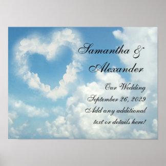 Coração nas nuvens amor romântico do céu azul pôsteres