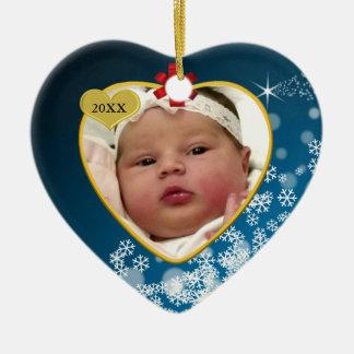Coração nevado do Natal de bebê azul do arco Ornamento De Cerâmica Coração