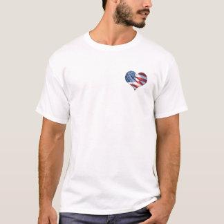 Coração patriótico bandeira americana dada forma camiseta