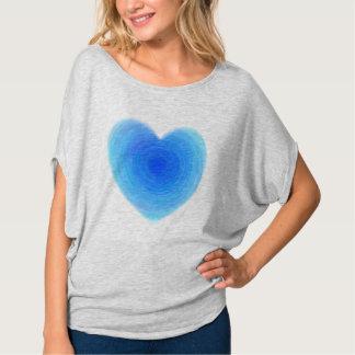 Coração profundo da água azul - amor nas máscaras camisetas