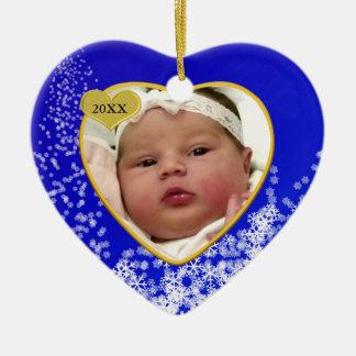Coração profundo nevado da foto do Natal de bebê Ornamento De Cerâmica Coração
