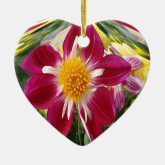 Coração vermelho do ornamento da flor
