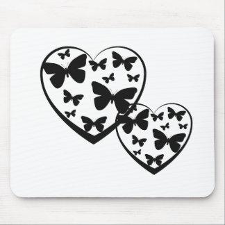 Corações abertos do preto com borboletas pretas mouse pad