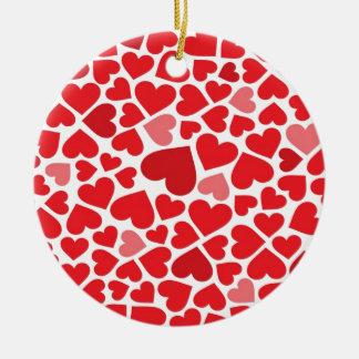 Corações bonitos ornamento de cerâmica redondo