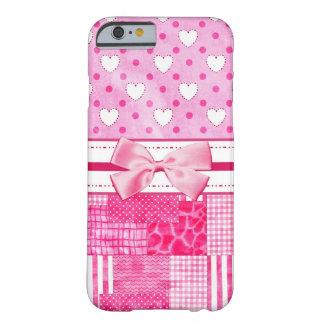 Corações cor-de-rosa femininos e bolinhas arco capa barely there para iPhone 6