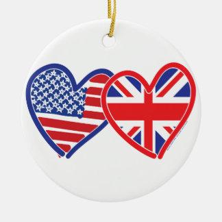 Corações da bandeira de Union Jack da bandeira Ornamento De Cerâmica Redondo