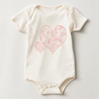 Corações da flor macacãozinho para bebês