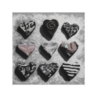 Corações preto e branco na arte da parede das impressão em tela